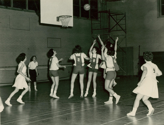 History Of Basketball At UNCG > The University of North ...